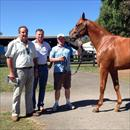Wayne Forrest, Rob Mitchell and John with Lot 265 Flying Spur x Blue Note Colt (3/4 to Mentallity)